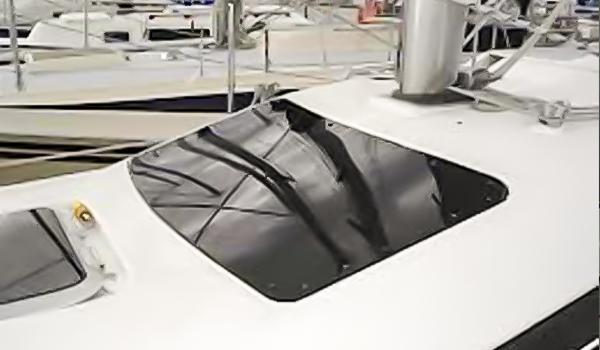 Thermoformage hublot pour bateau