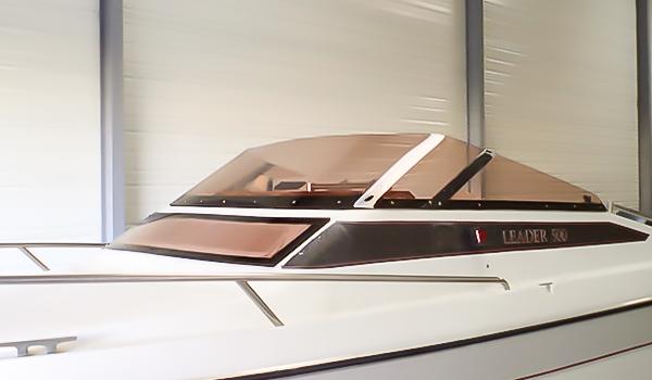 Thermoformage pare-brise pour bateau